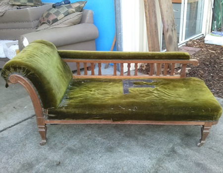 Chaise-lounge-before-re-upholstery